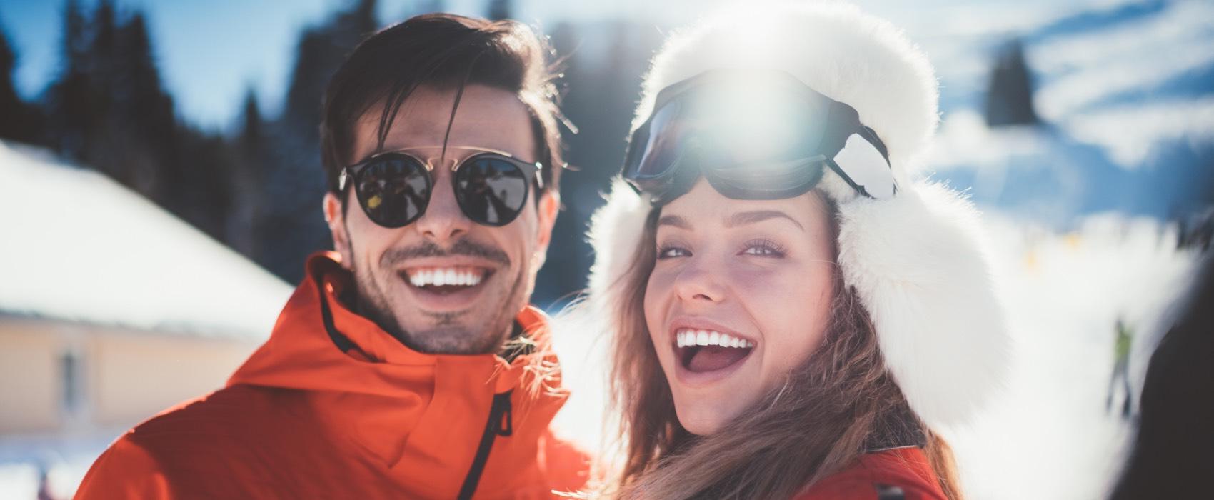 Skifahrer-Paar