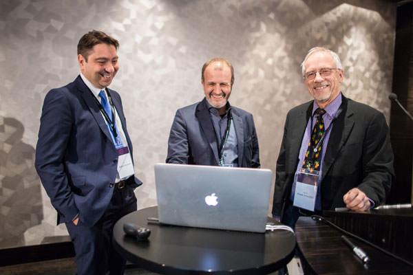 Dr. Kaymak und Dr. Klabe mit Prof. Dr. Schaeffel