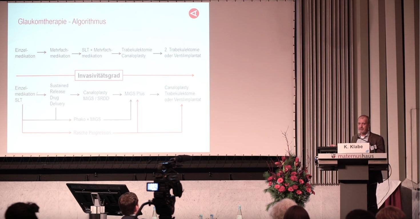 Dr. Klabe beim Kölner Adventssymposium.