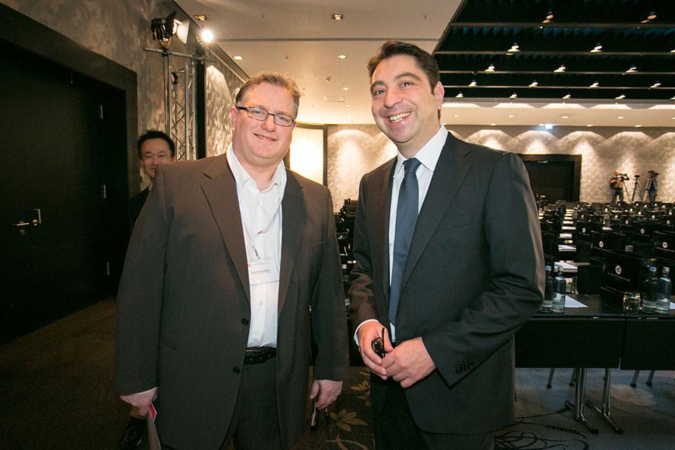Prof. Dr. Gerd U. Auffarth mit Dr. Hakan Kaymak