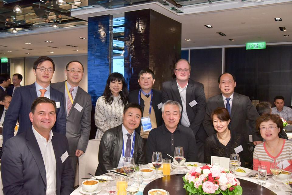 Dr. Breyer mit Fachkollegen in Taipei