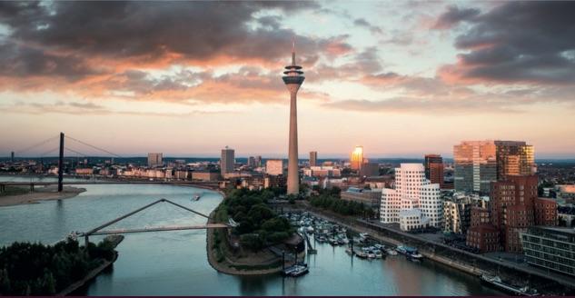 Blick auf den Medienhafen in Düsseldorf