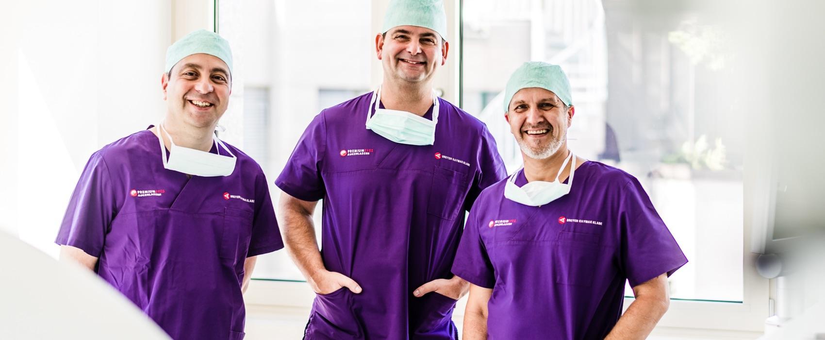 Dr. Kaymak, Dr. Breyer und Dr. Klabe im Operationssaal.
