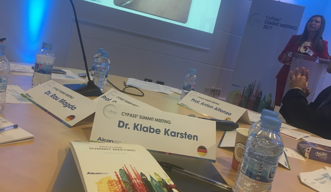 Blick auf den Referententisch beim Cypass Summit Meeting in Barcelona, an dem auch Dr. Karsten Klabe teilnahm.