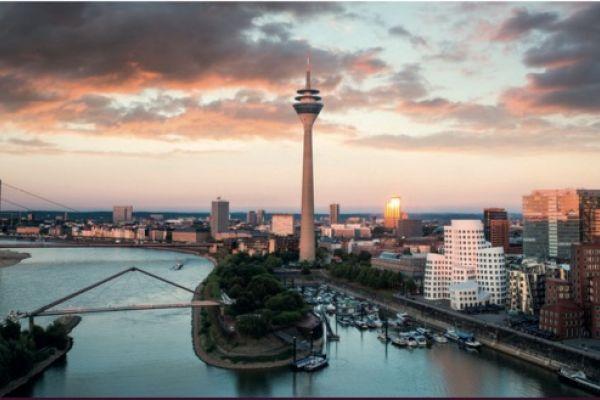 Teaserbild von Erster Düsseldorfer Laser-Vitreolyse-Workshop