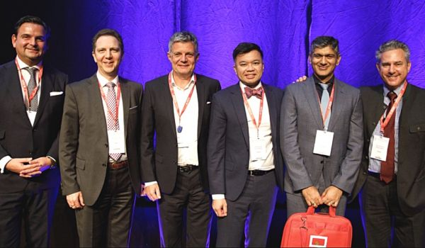 Die SMILE-Pioniere beim ESCRS-Meeting in Wien 2018. Ganz rechts ist Prof. Dan Reinstein, ganz links Dr. Breyer.