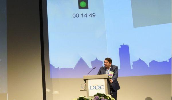 Dr. Hakan Kaymak beim Vortrag