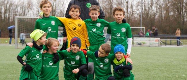 Premium Eyes sponsert Fußballjunioren in Düsseldorf-Lohhausen