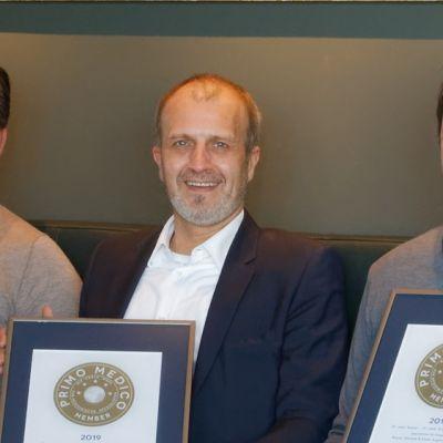 Dr. Breyer, Dr. Klabe und Dr. Kaymak bei der Siegelübergabe.
