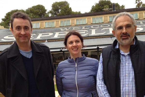 v.l.n.r.: Chris Backer, Ellex Management, Roxana Fulga und Victor Previn, CEO von Ellex.