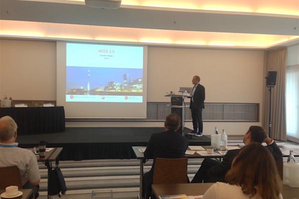 Dr. Klabe referiert über moderne Glaukomchirurgie