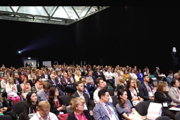 Das Publikum der Sitzung.