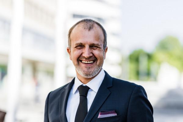 Portrait von Augenarzt Dr. Karsten Klabe
