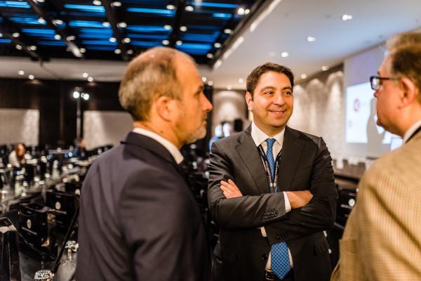 Dr. Klabe, Dr. Kaymak im Austausch mit Prof. Auffarth.