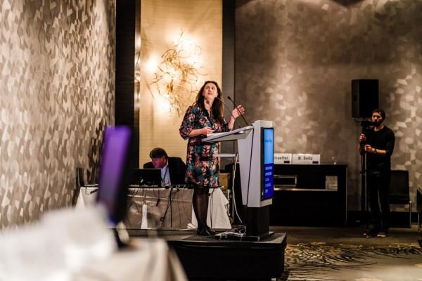 Roxana Fulga hielt einen tollen Vortrag über die Laservitreolyse.