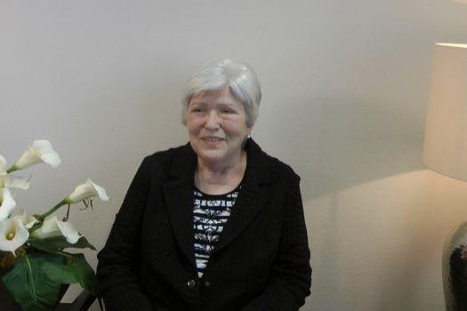 Teaserbild Patientenerfahrung Frau Capito nach beidseitiger Operation des grauen Stars bei Dr. Klabe
