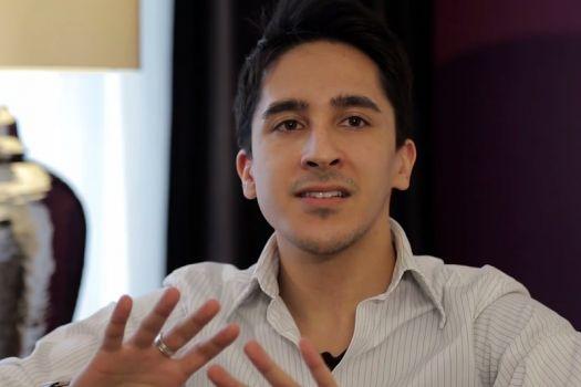Teaserbild [Vimeo] Die Nachuntersuchung unseres Mitarbeiters 5 Tage nach seiner SMILE-Operation