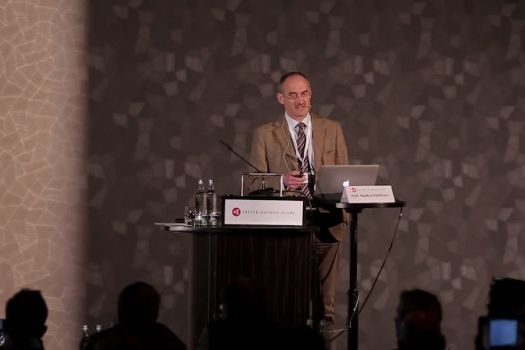 Teaserbild [Vimeo] Indikation zum Crosslinking: Wann und für wen kommt die Behandlung infrage?
