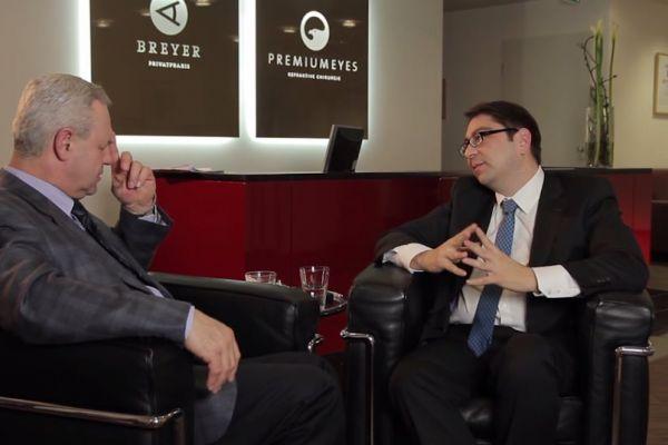 Teaserbild von [Vimeo] Makulaforamen & epiretinale Gliose (Interview m. Dr. Kaymak)