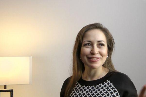 Teaserbild von [Vimeo] Patientenerfahrung von Diana Sulteeva aus Moskau