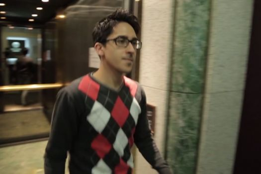 Teaserbild [Vimeo] Unser Mitarbeiter berichtet über seine ReLEx® smile-Behandlung