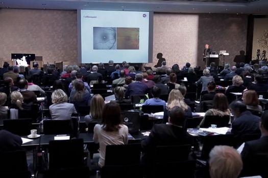 Teaserbild [Vimeo] Vitreomakuläre Pathologien: Wichtige Tipps für die Praxis...
