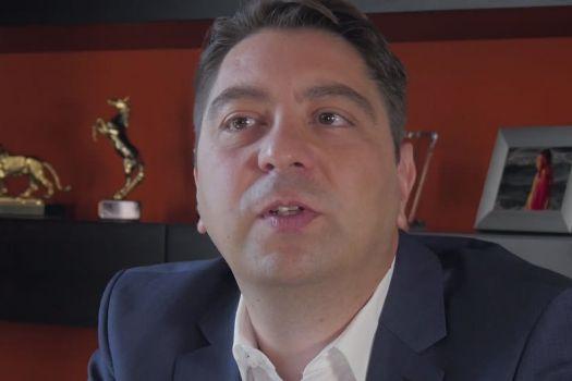 Teaserbild [Vimeo]Dr. Kaymak: Wie häufig führen Sie eine Vitrektomie (Glaskörperoperation) durch?