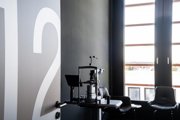 Unsere Behandlungszimmer sind mit modernster Lasertechnik ausgestattet.