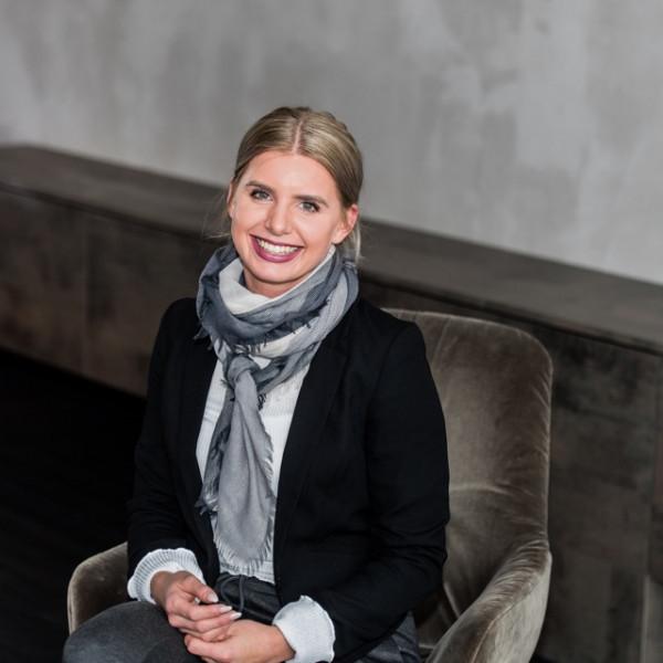 Portrait von Janina Hibel