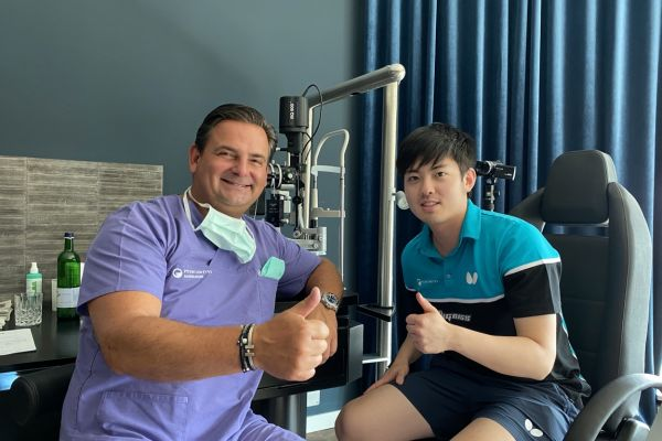 Teaserbild von Dr. Breyer verhalf Tischtennisspieler Liang Qiu mit ICL zu scharfer Sicht
